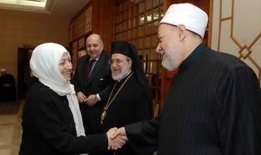 Ulama dan Tokoh Islam yang Salaman dengan Lawan Jenis