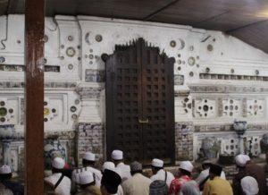 Mengenal Rama Guru Syatariyahdi Cirebon (1)