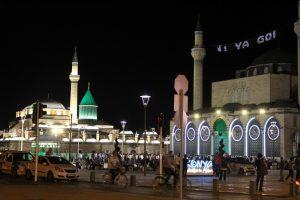 Mana yang Lebih Utama, Shalat Tarawih di Masjid atau di Rumah?