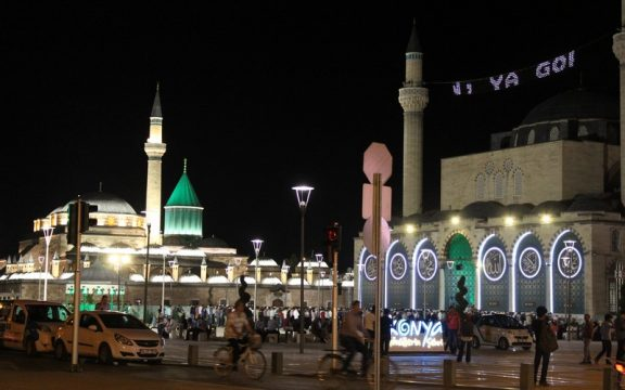 Rutinitas Ramadan di kota Konya (Turki)