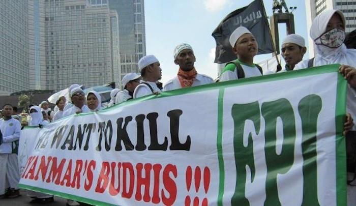 Jejak Kasus FPI yang Gemar Sweeping dan Diskriminatif Terhadap yang Dianggap Berbeda