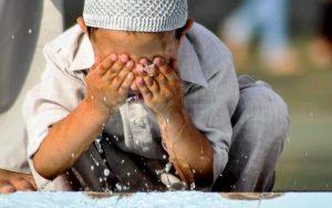 Mengapa Wudhu Harus Menggunakan Air?
