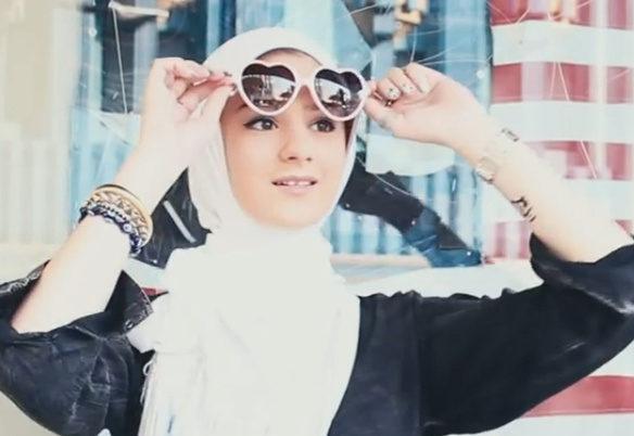 Hijab dan Jilbab. Apakah Berbeda?