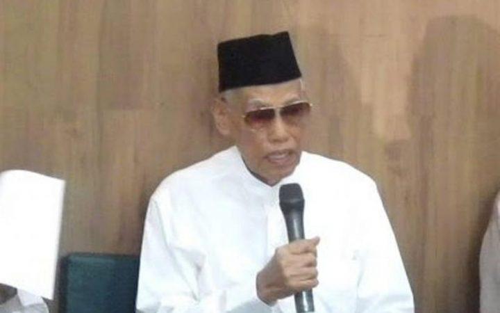 Tenteramnya Memandang Ka'bah; Kisah KH. Ali Yafie Naik Haji