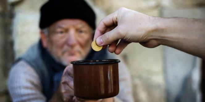 Hikmah Zakat Menurut Prof. Quraish Shihab: Jangan Sampai Orang Miskin Datang Meminta-minta