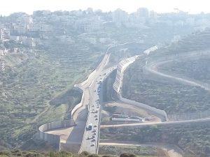 Israel dan Tembok Apartheidnya