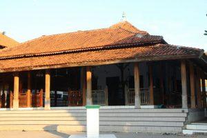 Sejarah, Kekhasan, dan Tradisi Masjid Agung Buntet Pesantren