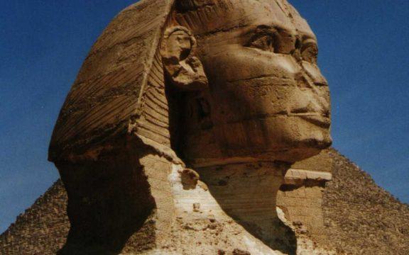 Patung; Sejarah dan Hukumnya dalam Literatur Klasik