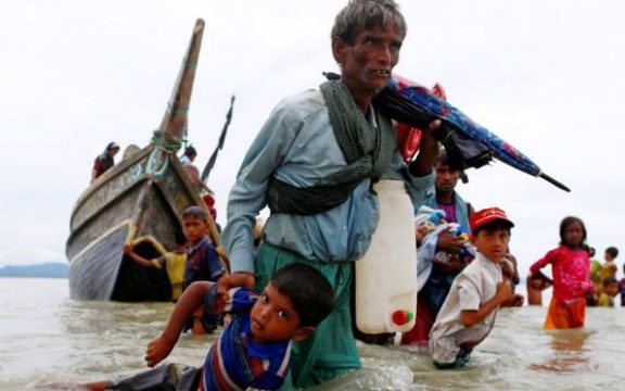 Sekitar 370 .000 Warga Rohingya Mengungsi