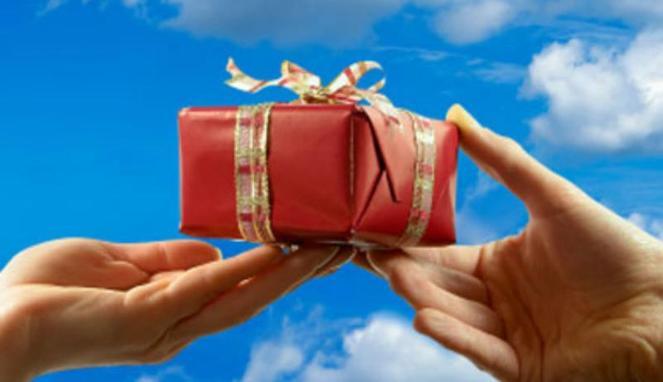 Menerima Hadiah Natal dari Non-Muslim, Bolehkah?