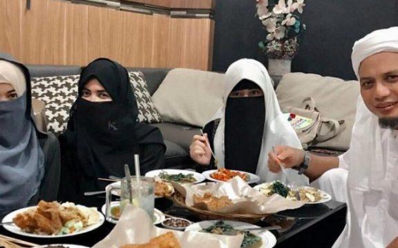 Strategi Al-Qur'an Memanusiakan Perempuan
