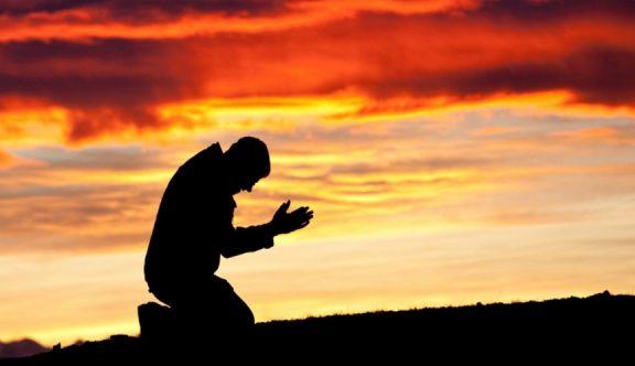 Amalkan Empat Kesunnahan Ini Saat Berdoa