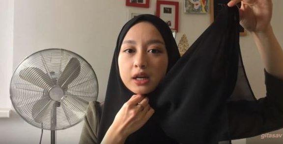 Kisah Muslimah yang Melepas Jilbabnya
