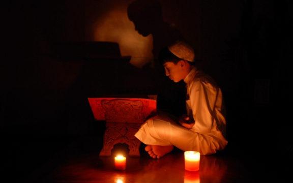 Kiat Khatam Al-Quran di Sepuluh Hari Awal Bulan Dzulhijjah