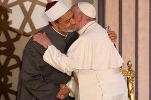 Tidak Bijak Seorang Muslim Mengolok-olok Orang Lain Karena Beda Pandangan