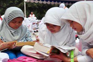 Lebih Baik Belajar atau Ibadah Sunnah?