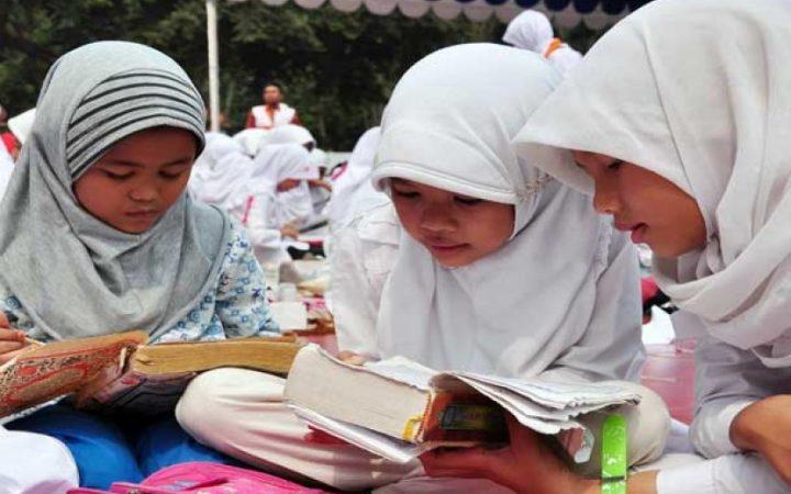 Doa Memohon Dianugrahi Bertambahnya Pengetahuan