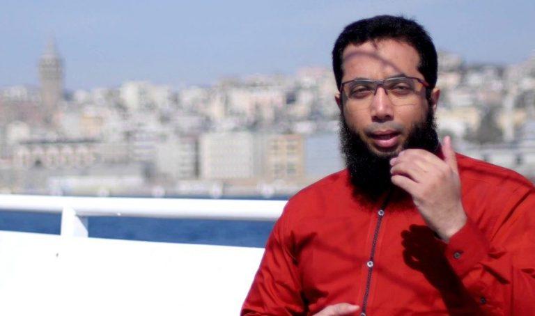 Menjawab Ceramah Ustadz Khalid Basalamah Tentang Hijab Satu-satunya Pelindung Perempuan