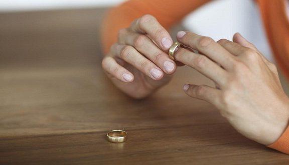 Jika Sang Suami Impoten, Haruskan Seorang Istri Bertahan?