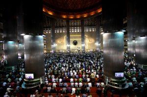 Masjid Memang Bukan Panggung untuk Politik-Politik Busuk