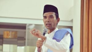 Survei: Ceramah Ustadz Abdul Somad dan Gus Baha Paling Banyak Didengar Publik Selama Ramadhan 2020