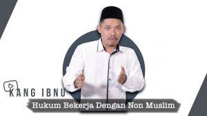 Hukum Bekerja dengan Non-Muslim, Boleh Nggak Ya?