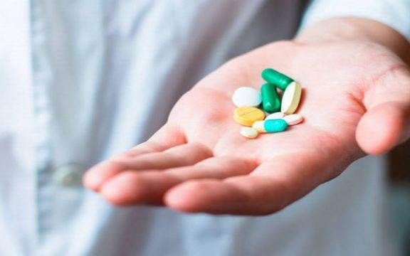 Menggunakan Obat Ketika Puasa, Bolehkah?