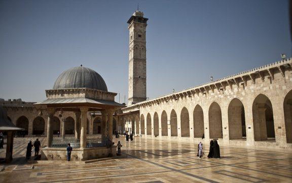 Perihal Anjing Masuk Masjid, Contohlah Sikap Rasul SAW!