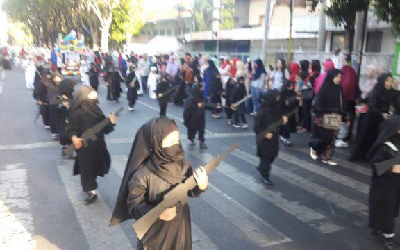 Katib Aam NU Tentang Karnaval Anak-anak Bercadar & Replika Senjata