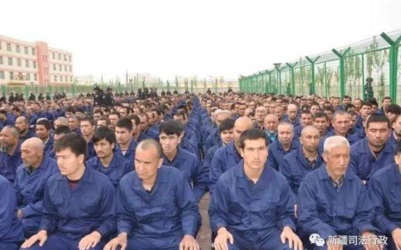 Tiongkok Lakukan Pelanggaran HAM terhadap Muslim Turk di Xinjiang