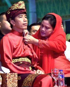 Jokowi, Alfateka dan Kita yang Hobi Jadi Pelakor