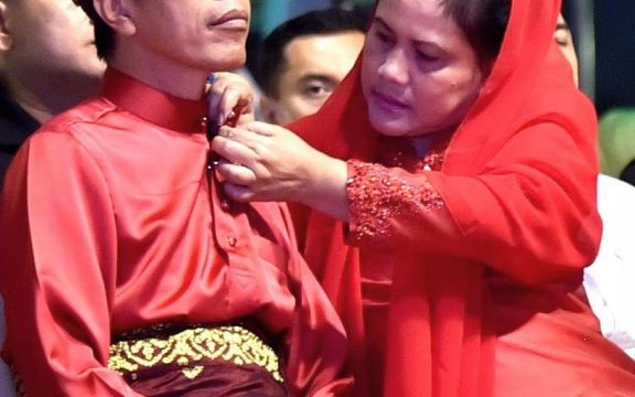 Mengapa Jokowi Dicintai Sekaligus Dibenci Sebagian Muslim Kita?