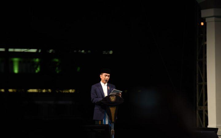 Hadiri Malam Puncak Hari Santri, Jokowi Tekankan Persatuan