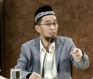 Kisah Ustadz Adi Hidayat Divonis Shalatnya Tidak Diterima karena Celananya Isbal