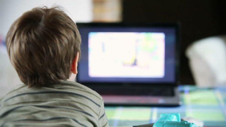 Blackpink dan Krisis Tayangan Positif untuk Anak