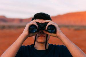 Bolehkah Curi-curi Pandang? Ini Kisah Sahabat Nabi