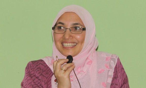 Prof. Amany Lubis, Perempuan Pertama yang Menjadi Rektor UIN Jakarta