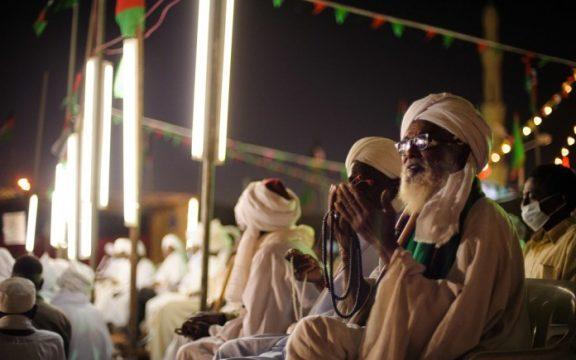 Anjuran Bergembira atas Kelahiran Nabi Muhammad SAW: Tafsir Surat Yunus 58