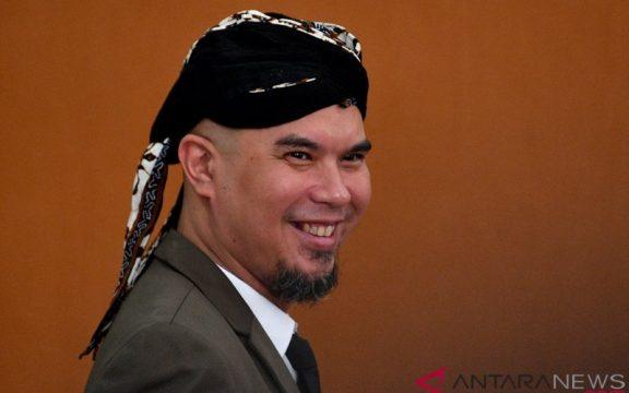 Nasehat Kanjeng Nabi dan Gus Dur untuk Ahmad Dhani: Hadapi dengan Senyuman