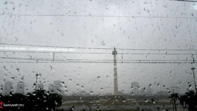 Meminta Keberkahan pada Hujan Asam