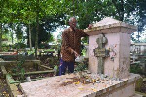 Bolehkah Muslim Merusak Kuburan Non-Muslim?