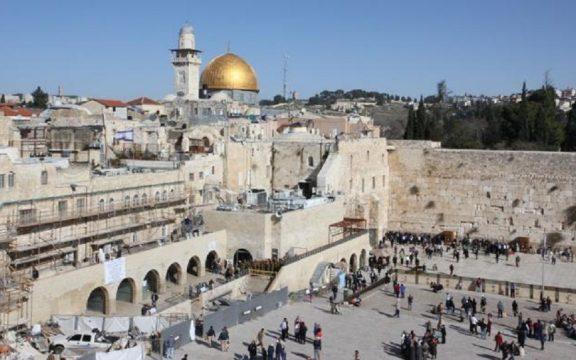 Masjid Al-Aqsha: Kiblatnya Agama Monoteis dan Agama Pagan