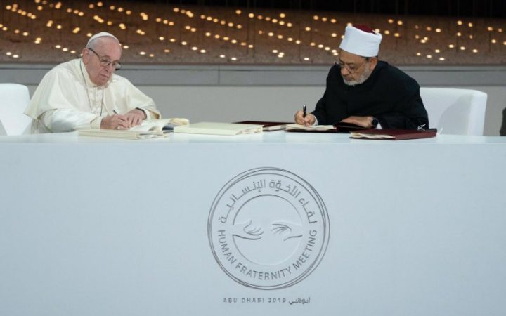 Ini Isi Dokumen Persaudaraan Manusia yang Ditandatangani Imam Masjid al-Azhar dan Paus Fransiskus