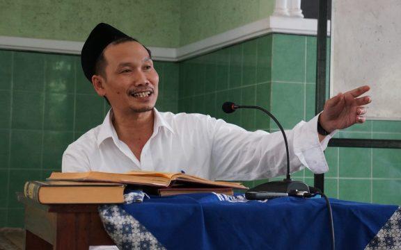 Mengenal Gus Baha, Oase di Tengah Ustadz-ustadz yang Mencari Popularitas