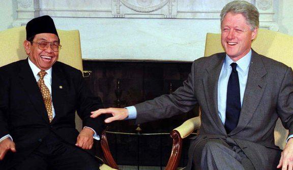 Humor Gus Dur: Tiga Presiden Naik Pesawat