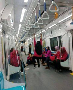 Menjadi Norak dan Kampungan di MRT itu Salah Siapa?