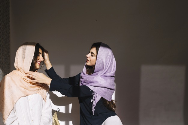 Penjelasan Gus Baha Tentang Jilbab yang Hukumnya Dikembalikan ke Laki-laki