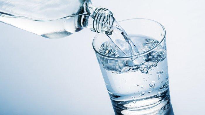 Mencegah Dehidrasi Saat Puasa Tidak Hanya dengan Air Putih