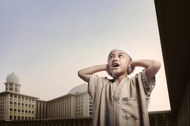 Hukum Adzan Ketika Melepas Orang Pergi Haji