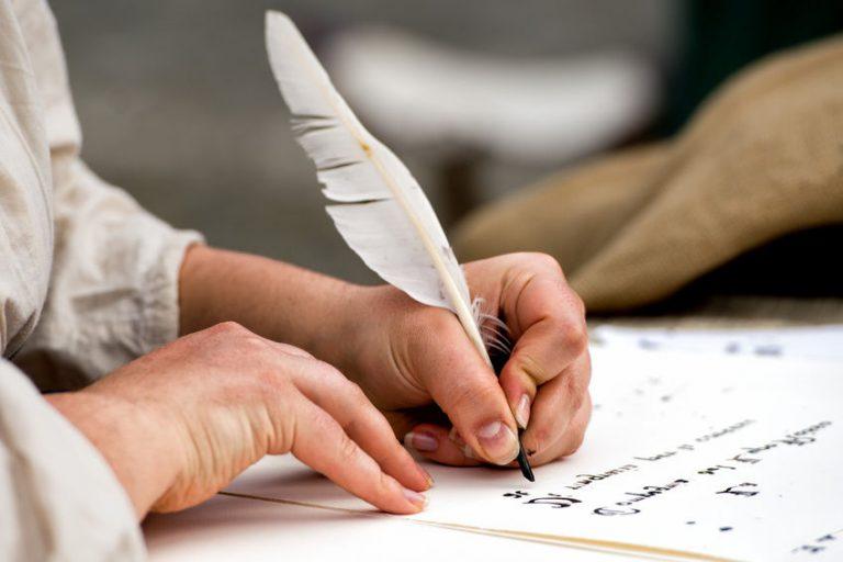 Masa Sulit Imam Syafi'i: Menulis di atas Tulang Karena Tak Mampu Membeli Kertas